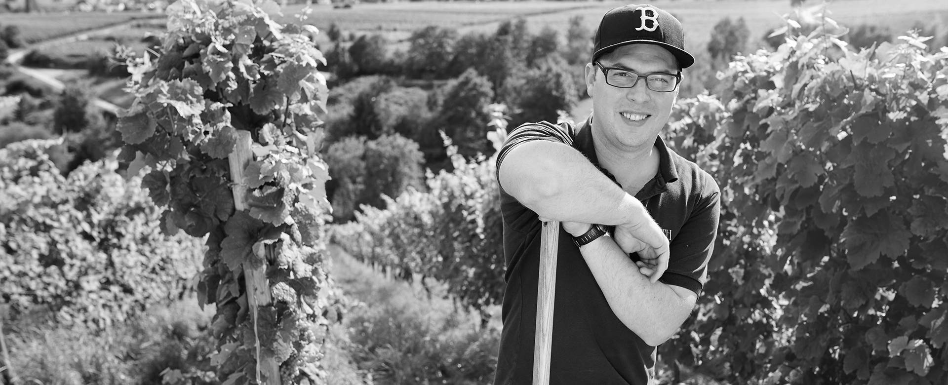 Mark BARTH Handarbeit im Weinberg
